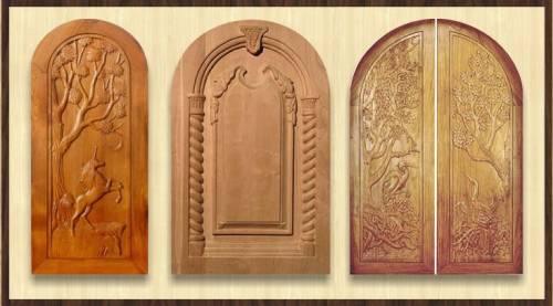 Резные двери. украшенные деревянной резьбой колонны и стены, резная мебель сделают из обычного жилого дома настоящий...